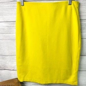 Yellow Ladies Knee Length Skirt Size 8